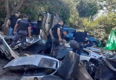 PASO DEL REY: DESBARATARON DESARMADEROS CON AL MENOS AUTOPARTES DE 22 VEHÍCULOS