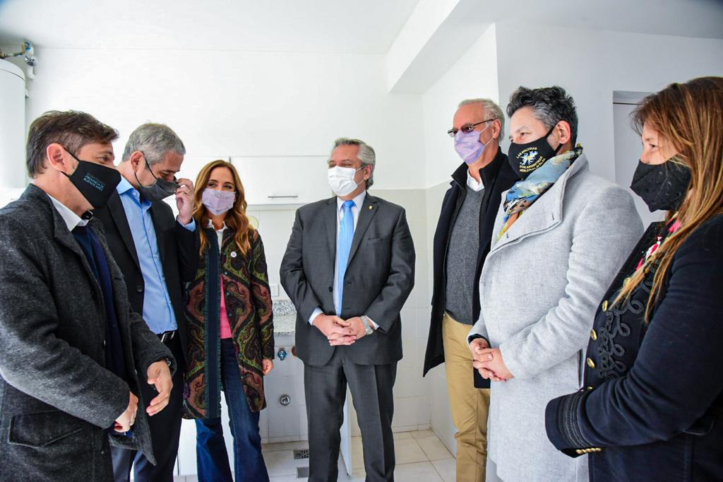 ALBERTO FERNANDEZ ENTREGÓ MÁS DE 350 VIVIENDAS EN MERLO